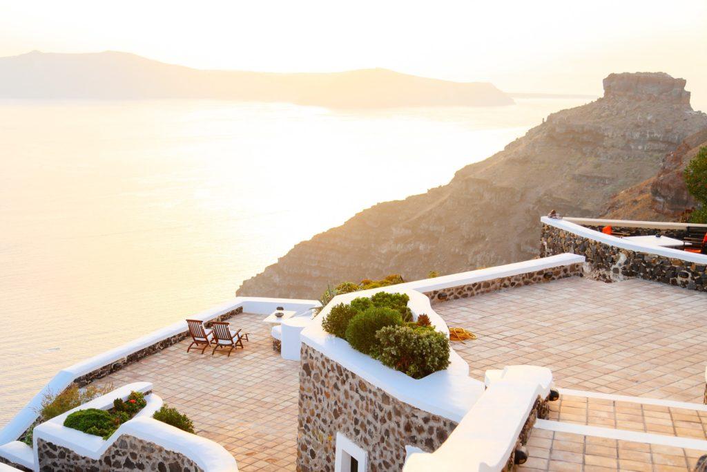 Con terraza y bien comunicada: así es la vivienda más buscada por los españoles