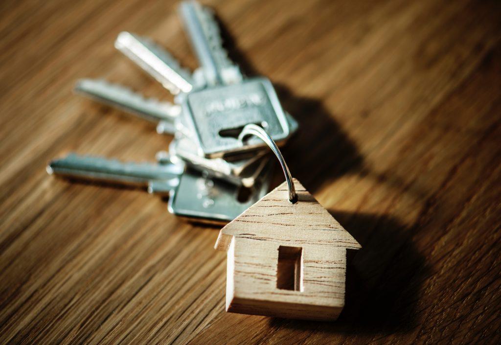 Los españoles prefieren comprar una vivienda en lugar de alquilarla