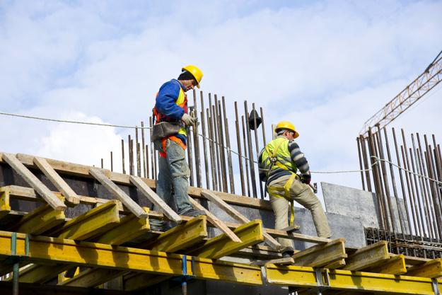 """Las obras de construcción siguen en marcha con medidas de seguridad """"reforzadas"""""""